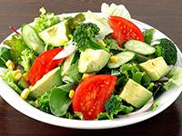 カラダ喜ぶ!アボカドのグリーンサラダ