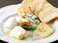 本日のイタリア産チーズの盛り合わせ